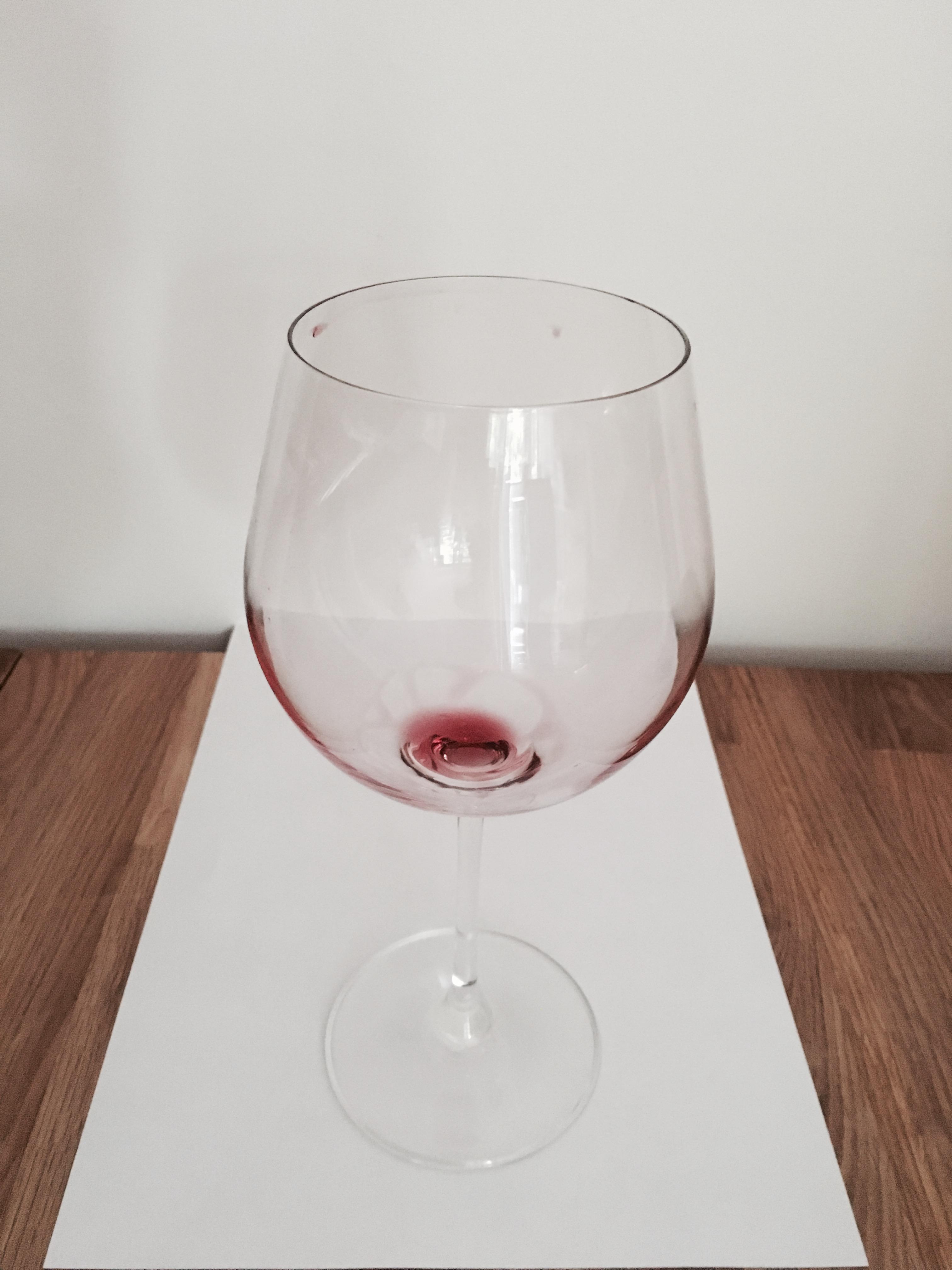 Wein benetzt